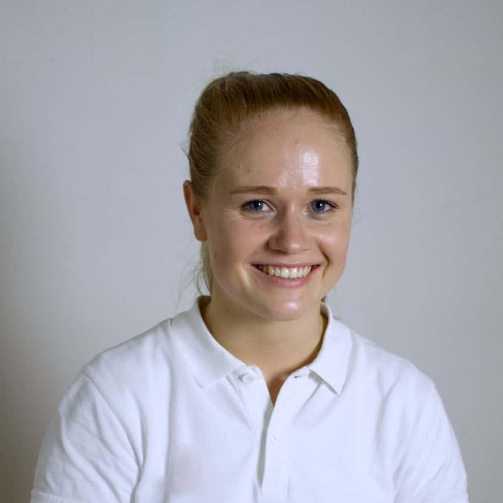 kvinnlig-kiropraktor-göteborg-noomi-profil